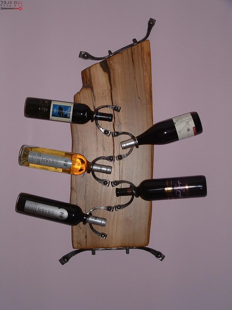 מתלה בקבוקי יין